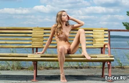 Эротические фото красивой девушки