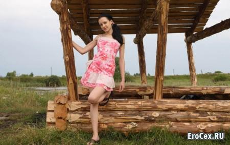 Фото эротика деревенской девушки