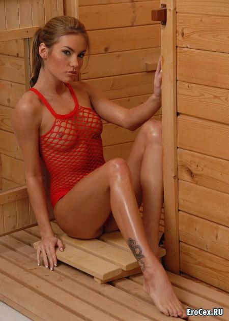 Эротические фото девушки в сауне