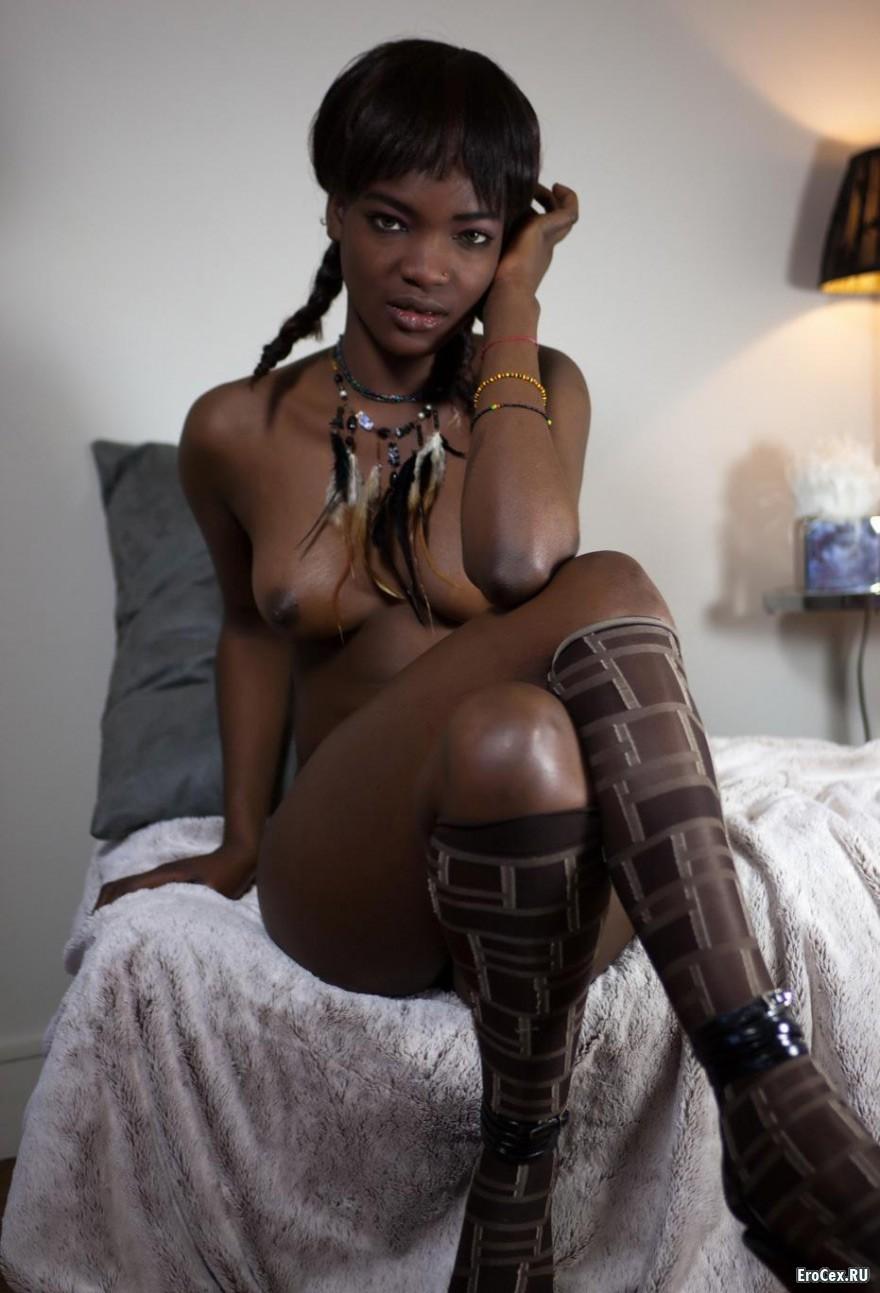 Молодая негритянка